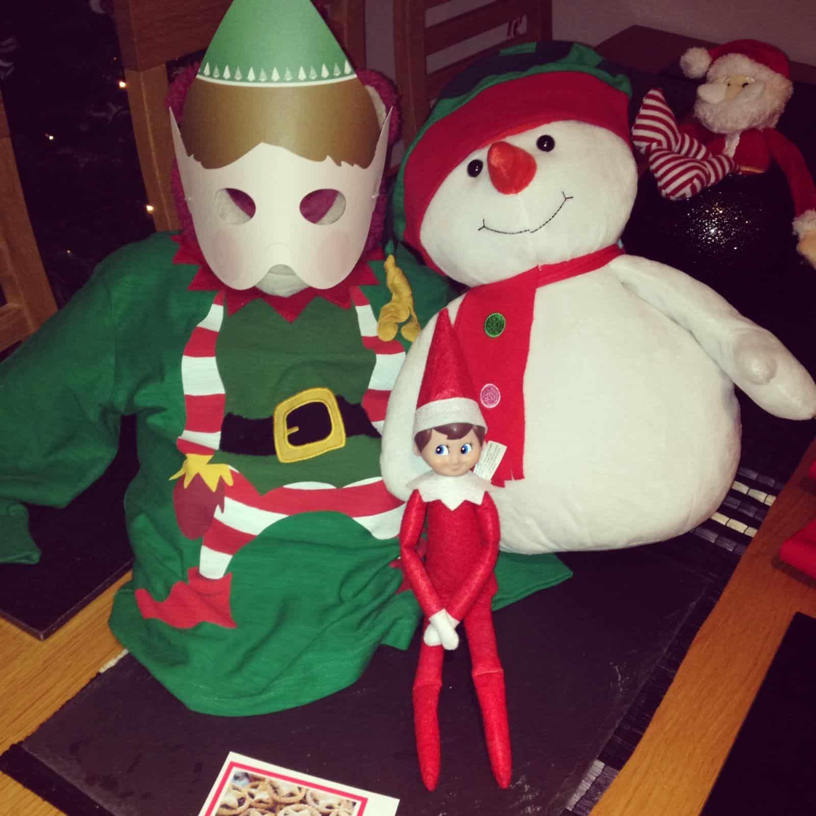 Elf with the XMAS teddies