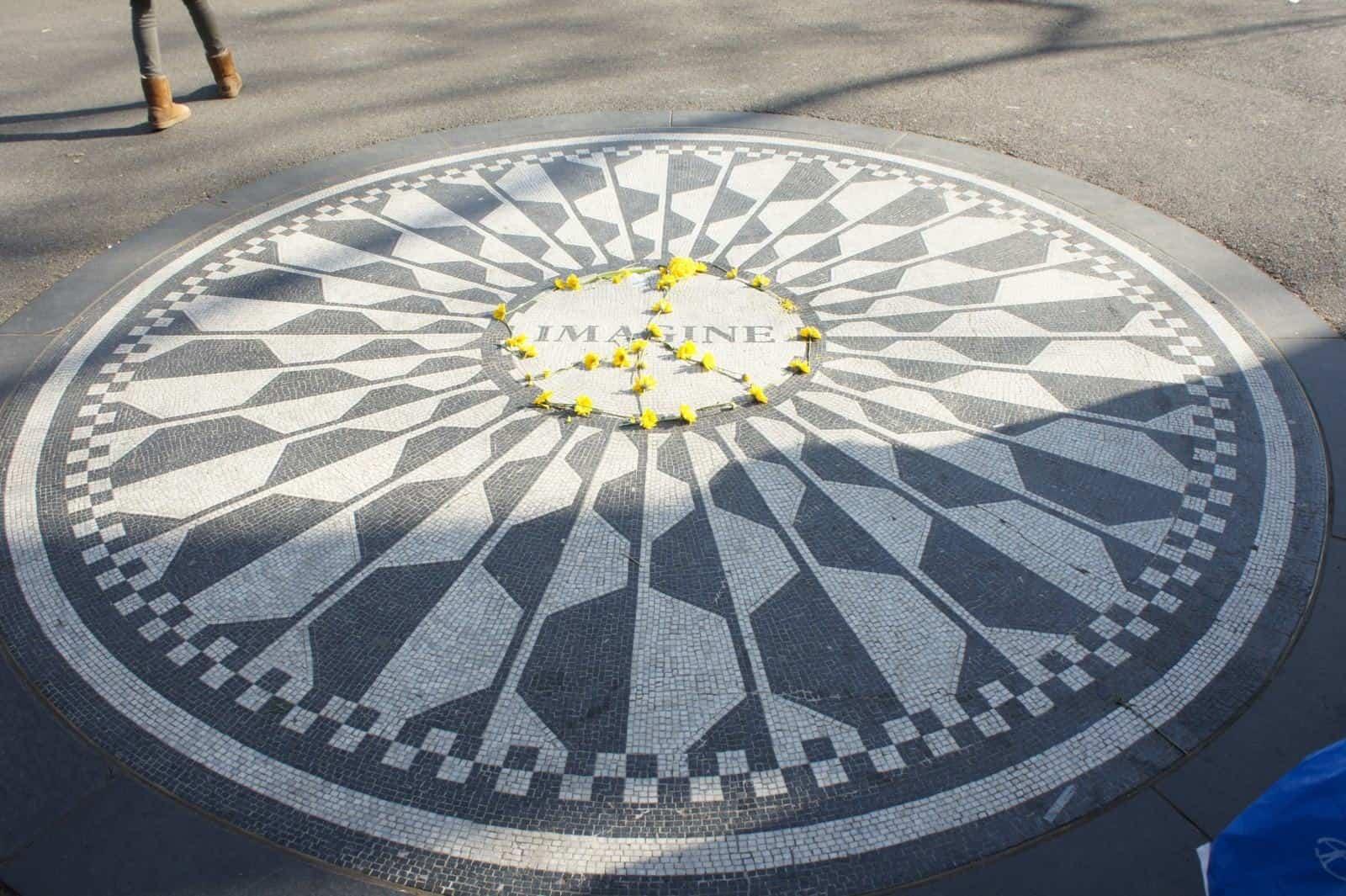 John Lennon Memorial Central Park. Imagine
