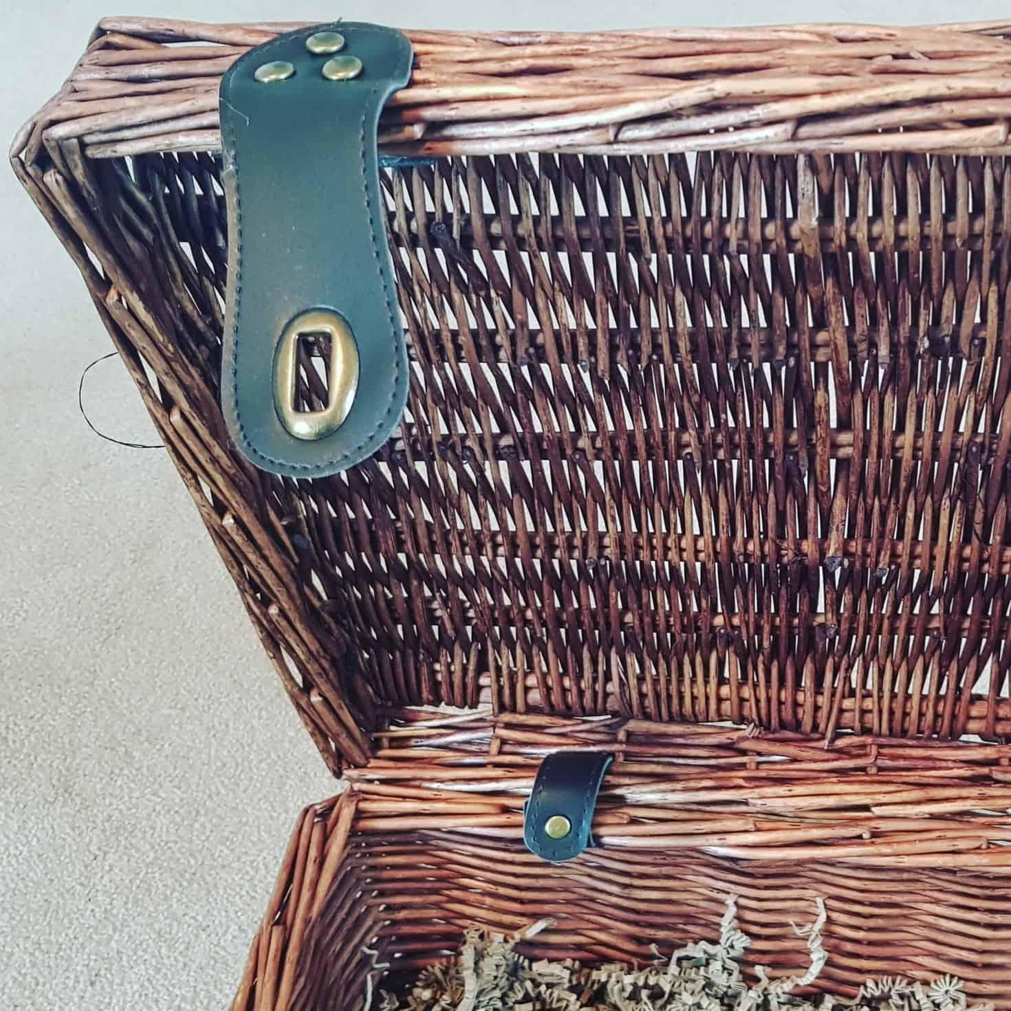 Prestige Hamper - Wicker Picnic Basket leather straps